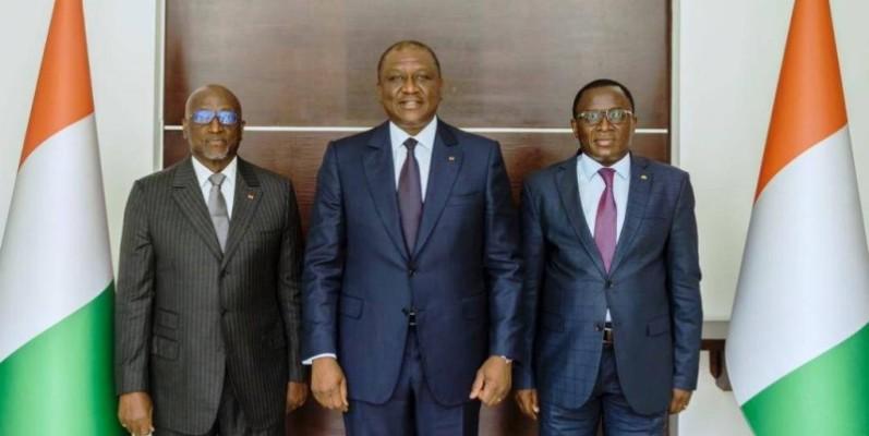 Le Premier ministre Hamed Bakayoko (au milieu). (DR)