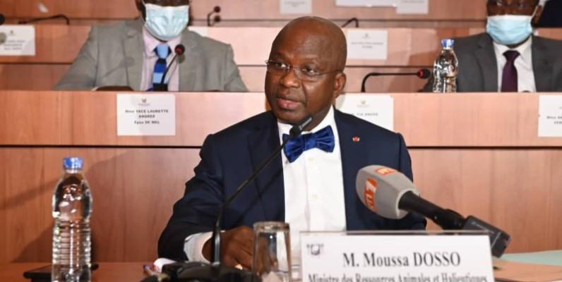 Le ministre des Ressources animales et halieutiques, Moussa Dosso, face aux députés pour défendre son budget de 2021. (DR)