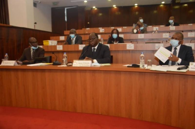 Le premier responsable du département de l'eau en Côte d'Ivoire devant les dé^putés