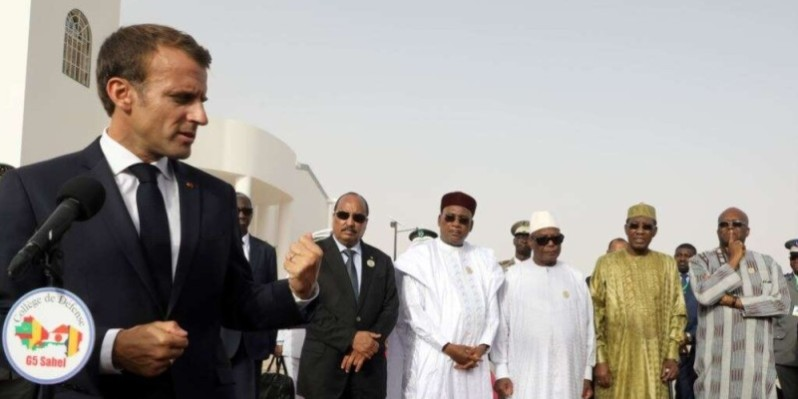 Le Président français en compagnie de plusieurs homologues africains.(Photo d'archives)