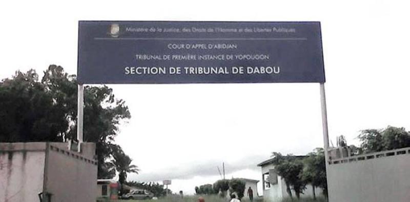 Une vue de l'entrée du tribunal de Dabou. (DR)