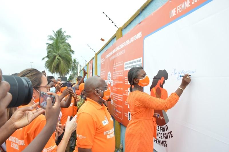 Antonia NBagala-Sodonon, représentante-pays de Onu Femmes et Jean-Marie Vianny Yaméogo, représentant-pays de l'Oms, sont engagés dans la lutte. (photo : Julien Monsan)