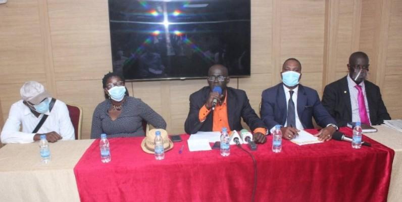 Pacôme Kouassi (au micro), le président de la Cmaop, a déploré les conflits communautaires causés par le mot d'ordre de désobéissance civile. (DR)