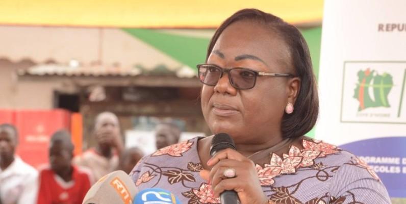 Anne Ouloto a appelé les Ivoiriens à doter leur cadre de vie de toilettes adéquates. (Photo : Dr)