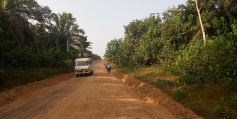 """Un """"badjan"""" sur cette voie devenue maintenant de plus en plus fréquentable. (Photo : Saint-Tra Bi)"""