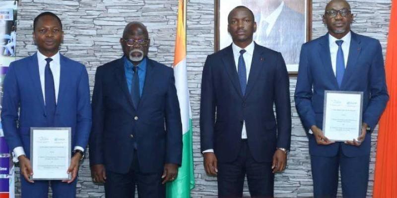 Mamadou Touré et Philippe Légré se sont réjouis de la mise en route du projet qui va permettre à de nombreux jeunes ivoiriens d'embrasser les métiers de la mer. (DR)