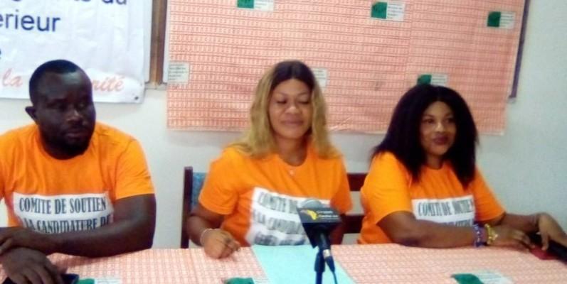 La présidente du Cnsc-Gk, Yerabé Carole (au milieu lors du point-presse à Cocody. (Franck YEO)