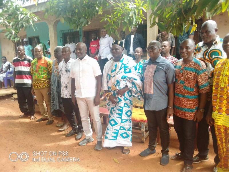 Le ministre Adom Roger a rencontré des autorités coutumières, des fils et cadres du département d'Abengourou au cours de sa tournée (Ph: DR).