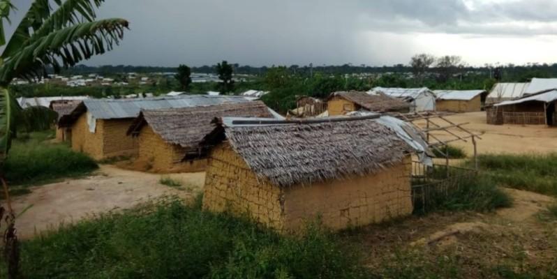 Les tentes sont remplacées par des maisons en torshis désormais. (Photos : Saint-Tra Bi)