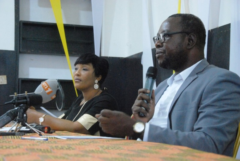 Le Premier ministre Hamed Bakayoko sera le parrain de l'édition 2020 du Prix Ebony comme l'a annoncé Jean Claude Coulibaly qui avait à ses côtés Marie-Laure N'Goran. (DR)