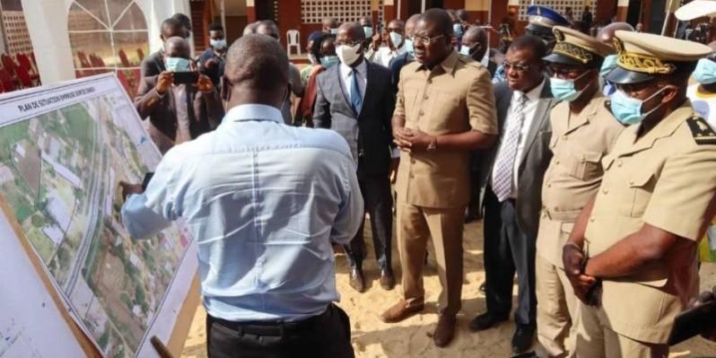 Le ministre Amédé Kouakou a sillonné quelques chantiers relatifs au PTUA. (DR)