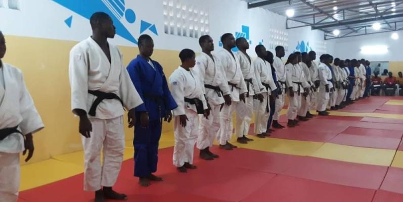 Les judokas ivoiriens mettent les bouchées doubles à quelques jours de la compétition. (DR)