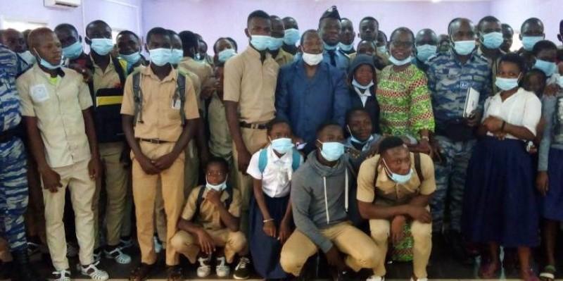 Les élèves de Gagnoa ont décidé de patienter jusqu'au 18 décembre, date fixée par le ministère,  pour partir en congés la Noël. (DR)