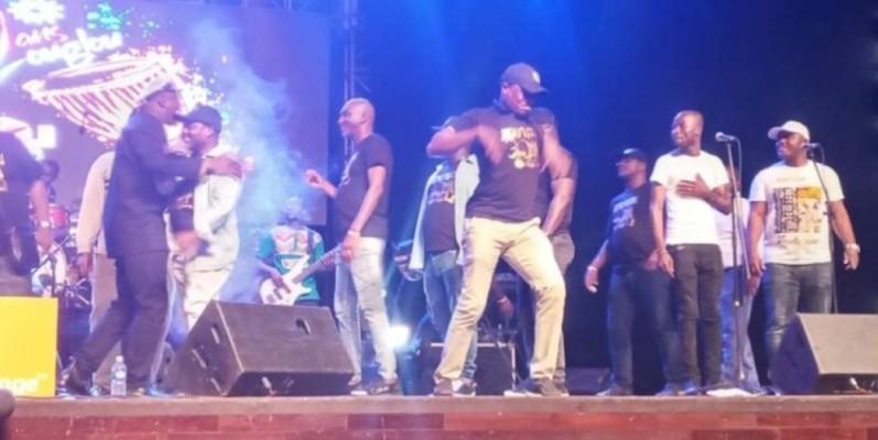 L'histoire du zouglou a été racontée musicalement sur la scène. (photo : Dr)
