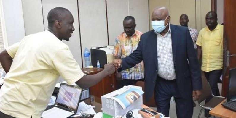Les agents ont apprécié la visite du président intérimaire.