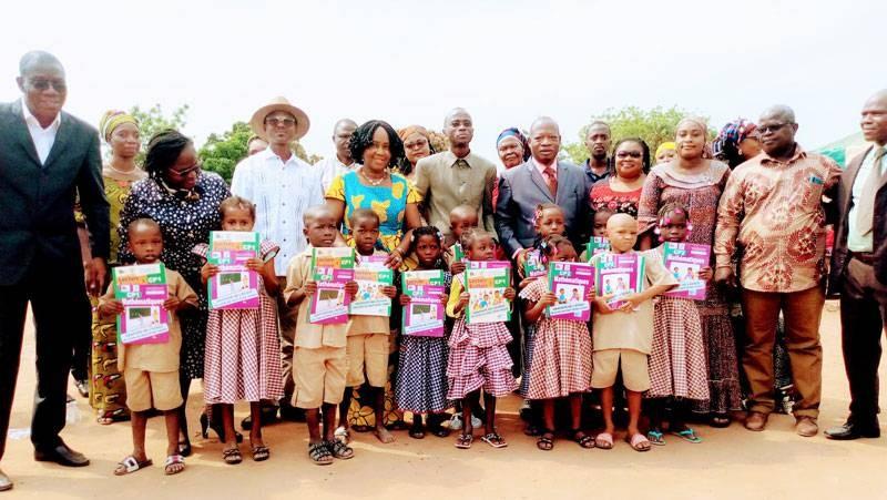 La distribution des kits scolaires à Bouaké a démarré. (Dr)