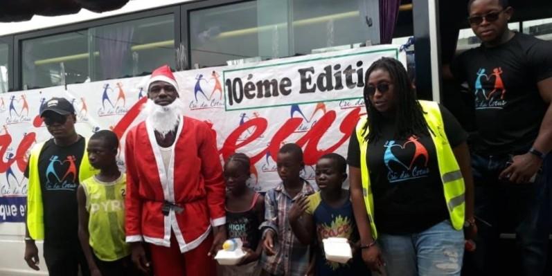 Le Père Noël vient d'offrir un repas à quelques enfants déshérités. (DR)