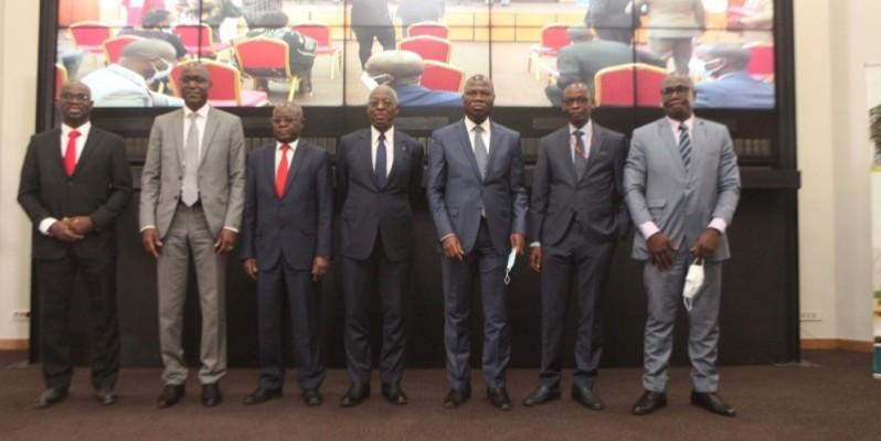 Les représentants du gouvernement ont pris part, aux côtés des responsables du patronat, à la présentation des dispositions de l'annexe fiscale 2021 assurée par le cabinet Mondon International. (photo : Dr)