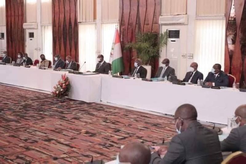 Préfecture d'Abidjan: Bamba Souleymane remplace Vincent Toh Bi Irié |  FratMat