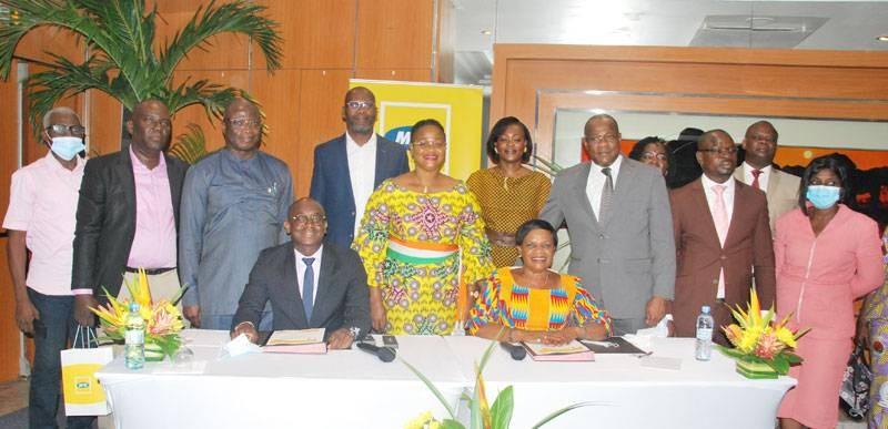 La photo de famille après la signature du partenariat. (Photo : Dr)