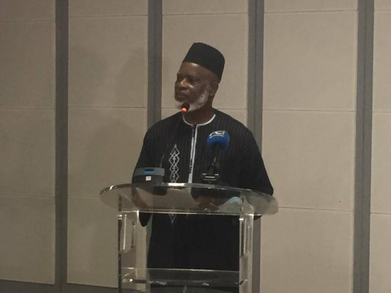 Le conférencier, l'imam Mamadou Dosso, directeur de cabinet du président du Cni
