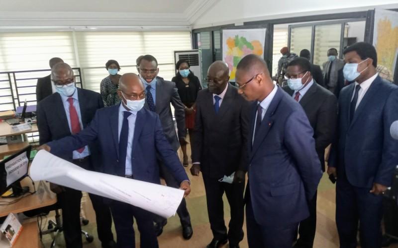 Le ministre Moussa Sanogo a procédé à la visite des locaux de l'Afor à l'issue des travaux. (DR)