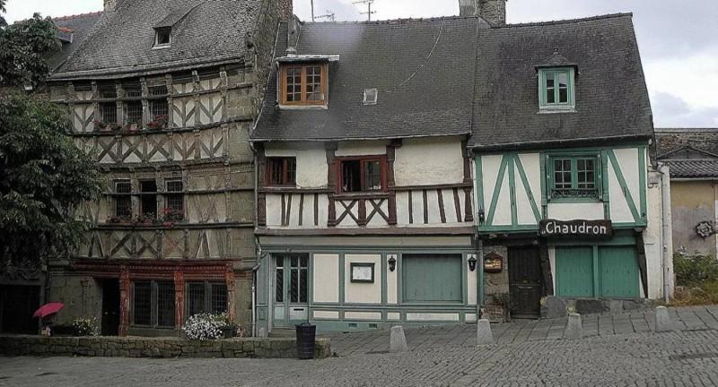 L'instauration du couvre-feu à 18h à l'échelle du pays depuis le 16 janvier n'a pas été appréciée par le maire de la commune bretonne de Saint-Brieuc, Hervé Guihard.