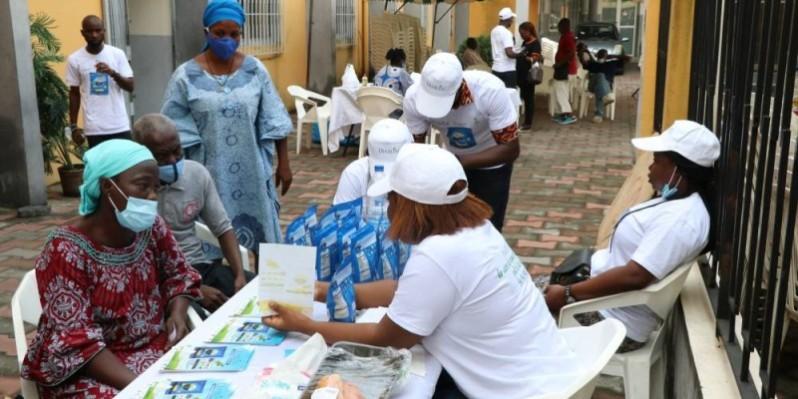 Les populations sorties nombreuses ont attentivement écouté les conseils du personnel médical. (Photo : DR)