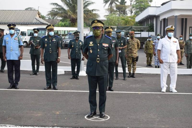 Le chef d'état-major général de l'armée a galvanisé ses troupes au cours de la cérémonie de présentation de vœux organisée en son honneur au camp Galliéni. (PHOTO:DR)