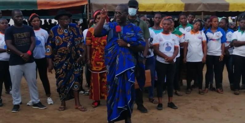 Le ministre de la Promotion de l'investissement privé, par ailleurs coordonnateur du Rhdp des Grands Ponts, s'est senti honoré par la démarche des populations de Lopou (DR)