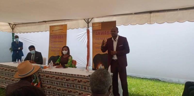 Le directeur général de Côte d'Ivoire Tourisme (CIT), Nasséneba Touré (au centre), a invité les acteurs à développer le tourisme intérieur. (Photo : Marie-Ange AKPA)