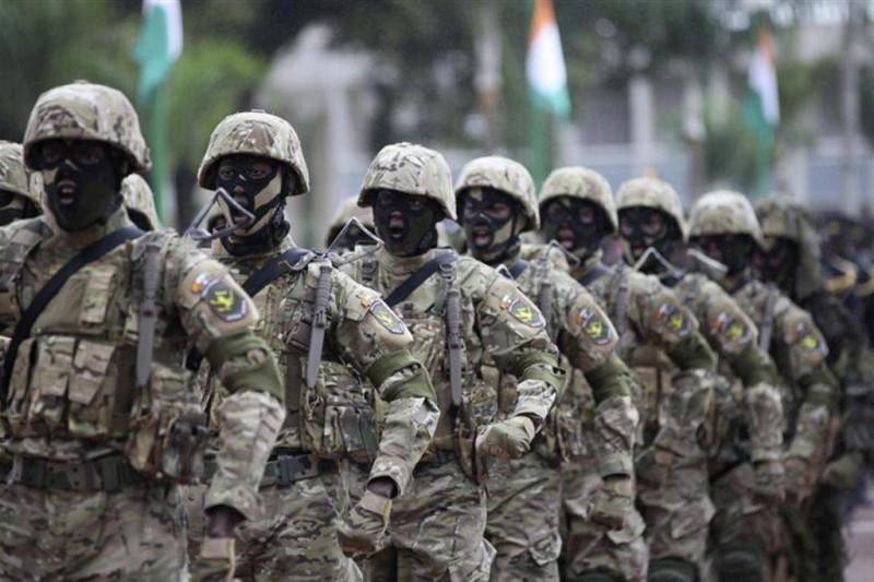 Le président Ouattara a salué l'apport de l'armée ivoirienne dans la restitution d'un climat de paix et de stabilité en Côte d'Ivoire