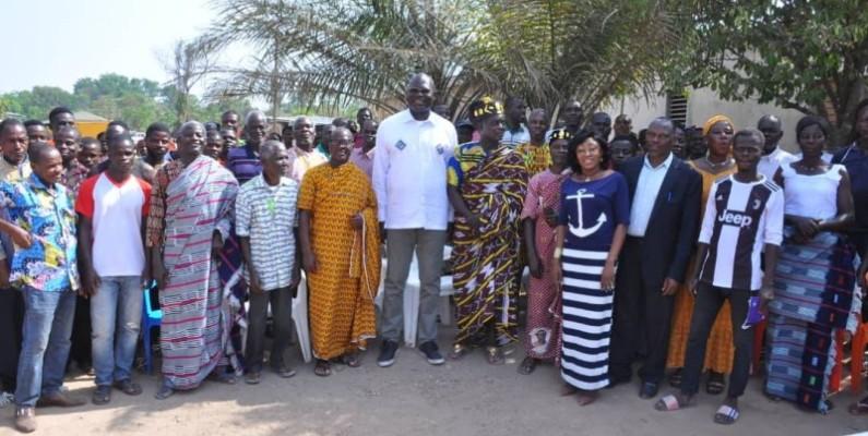 Emmanuel Ahoutou Koffi a l'onction de la tribu Wamlakpli. (Photo : DR)