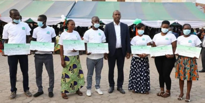 Touré Mamadou a assuré les jeunes de l'Agnéby-Tiassa de l'engagement du gouvernement à leurs côtés. (DR)