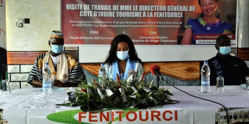 Mme Nassénéba Touré, directeur général de Côte d'Ivoire tourisme (au milieu). ( Sercom CIT)