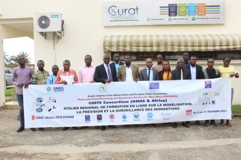 Les participants à la formation en ligne à Abidjan Cocody le 9 février. (DR)