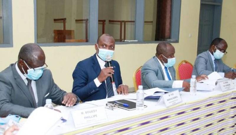 La table de séance lors de la première réunion du Comité technique d'apprentissage (Cta) le 11 février 2021 au Cidfor. (DR)