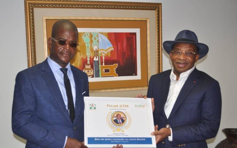 Le ministre Siandu Fofana et Aimond William