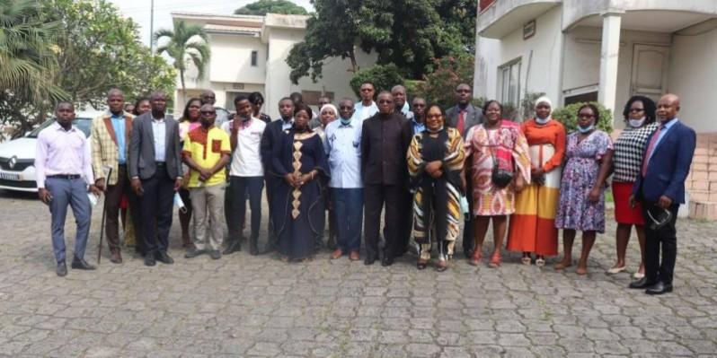 Photo de famille des participants après la formation. (DR)