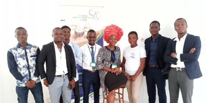 Des participants à cette assemblée ont posé avec la présidente de Iada, Dr Tano-Bian (au milieu) pour immortaliser la rencontre. (Dr)