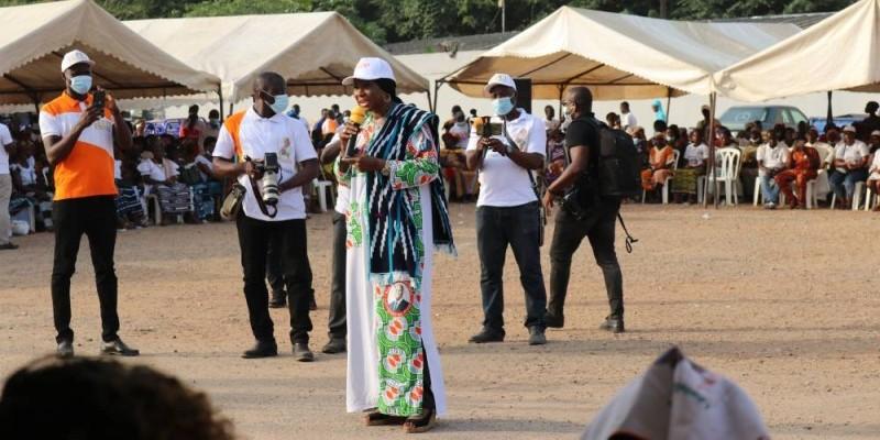 La ministre Kandia Camara convainc les électeurs akans. (Ange Kumassi)