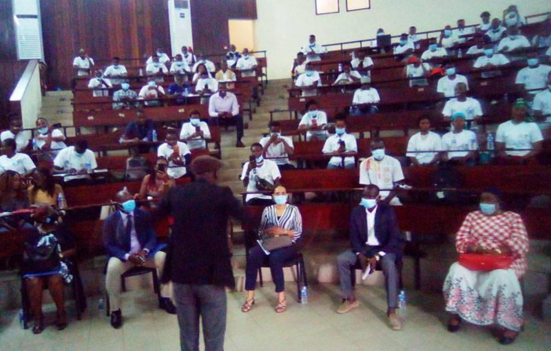Les étudiants de l'Université Nangui Abrogoua sensibilisés aux élections sans violence. (DR)