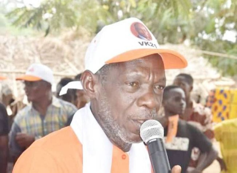 Moussa Samassi laisse sans voix le coordonnateur régional associé du Rhdp de l'Iffou, Venance Konan, et ses collaborateurs. (Photo : DR)