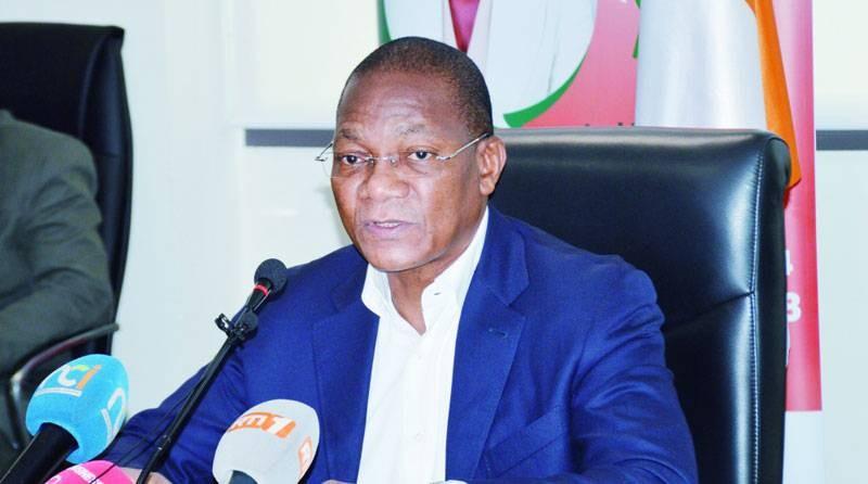 Le ministre Bruno Nabagné Koné a tenu une conférence de presse après la visite de terrain. (DR)