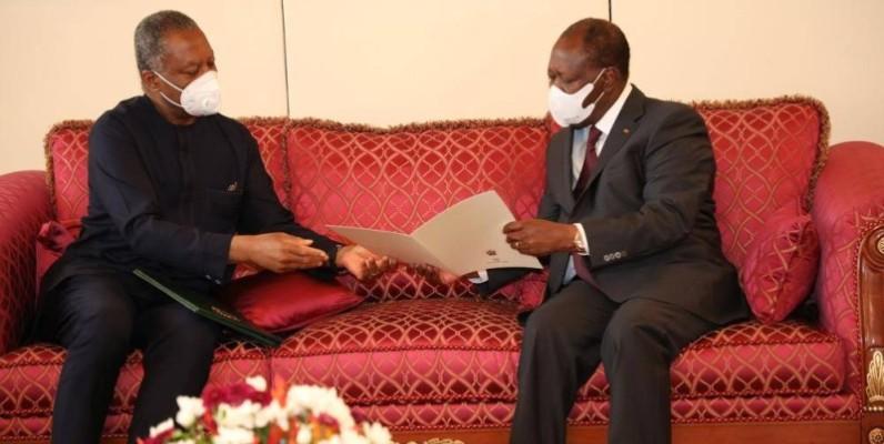 Le ministre des Affaires étrangères du Nigeria, Geoffrey Onyeama était porteur d'un message du Président Buhari au Chef de l'Etat ivoirien, Alassane Ouattara. (Photo : Bosson Honoré)