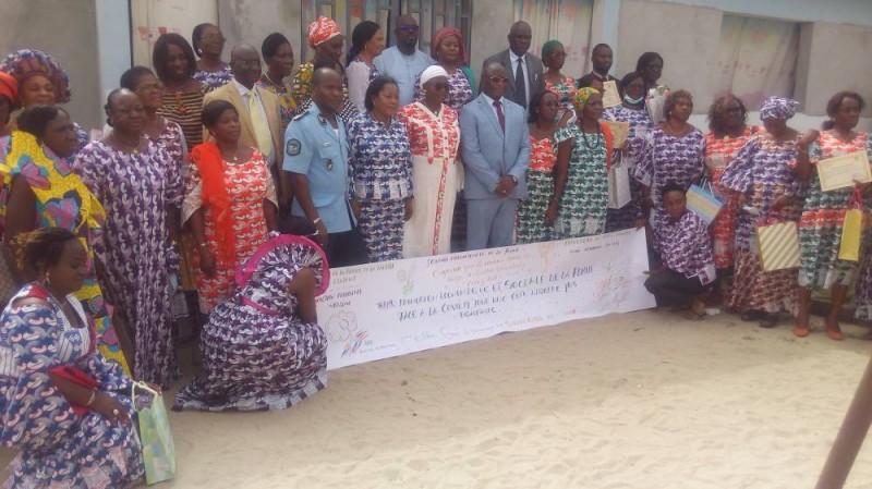 Les femmes de la région Abidjan du ministère de la Femme, de la Famille et de l'Enfant célébrées. (Bavane)