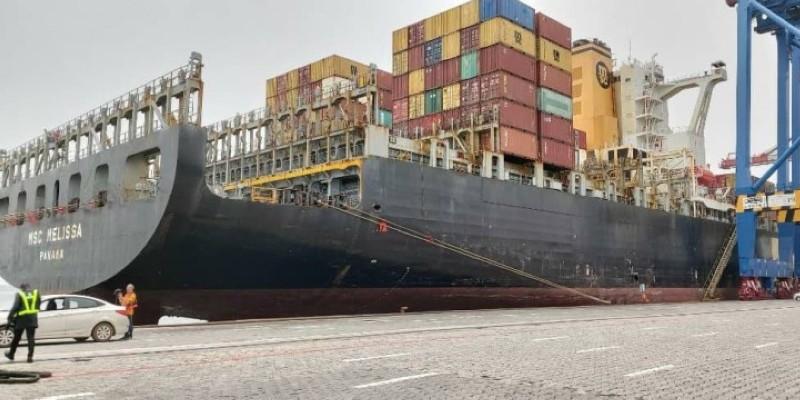 Pour la première fois, le Port autonome d'Abidjan accueille un navire de 304 mètres de long sur 40 m de largeur.