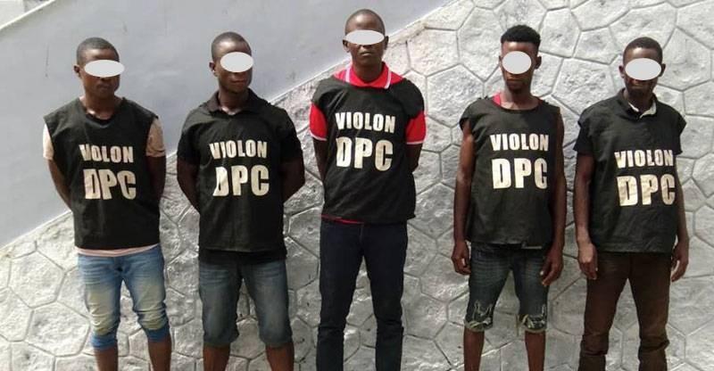 La bande de Diallo Abdoulaye, spécialisée dans les attaques contre les magasins, les imprimeries, les établissements scolaires, etc. (DGPN)