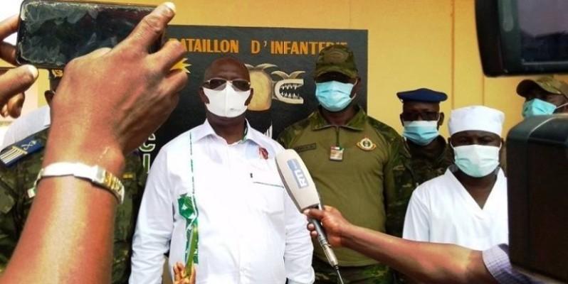 Le ministre de la Défense, Téné Birahima Ouattara, s'est rendu à Kafolo pour apporter la compassion de l'Etat aux soldats. (DR)