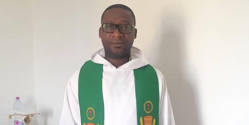 Père Don Abib Marcellin (Auteur de Foi et Culture  quand le Zouglou chante Dieu).(DR)